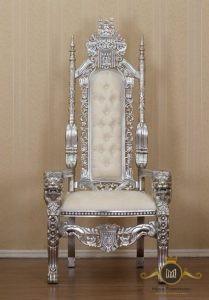 Kursi Raja Mewah Putih
