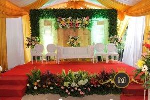 Kursi Dekorasi Pelaminan Pernikahan