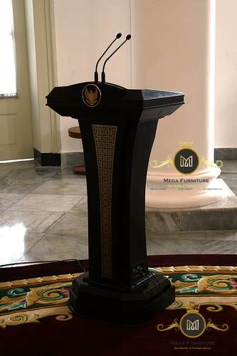 Podium Presiden Jati Jepara, Podium Jati, Podium Pejabat, Podium Minimalis, Podium Modern, Podium Pidato, Podium Jepara, Podium Minimalis Jepara, Podium Juara